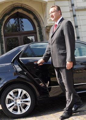 Ph Car...Classe,eleganza ed efficienza al Vostro servizio